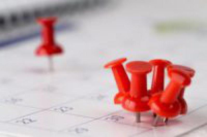 Calendar with Reminder Thumbtacks